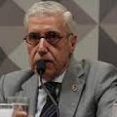 Governo acena com cargos para aprovar reforma, acusa sindicalista